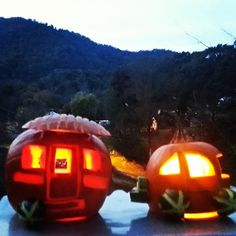 Brent's 2013 Halloween pumpkins carved into an adorable travel trailer.