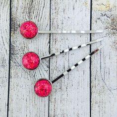 Pink sparkly bobby pin..... soooo beautiful  @theflaming_galah #sparklyhair #glitteryhair #pinkglitter #pinkbobbypins #promhair #weddinghair #handmadehairslides #hairslide #hairpins #handmade #giftsforher #giftsforgirls #giftsforteens #handmadegifts #handmadegiftideas #etsygifts #etsyhandmade #etsyshop #etsyau #etsyaufinds #etsyaugifts #etsygiftsau #etsyaustralia #theflaming_galah