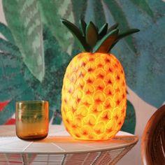 Ananaslamp van het merk Heico. Ook verkrijgbaar in een watermeloen.