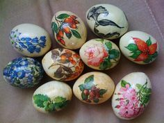 See related links to what you are looking for. Egg Shell Art, Egg Shells, Paint Designs, Happy Easter, Painted Rocks, Easter Eggs, Origami, Blog, Rocks