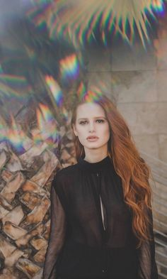 Madelaine Petsch Dishes on 'Riverdale's Strong Females: Photo Madelaine Petsch plays one of our favorite characters on television right now. The Riverdale star chatted with NKD magazine about portraying Cheryl Blossom on… Cheryl Blossom Riverdale, Riverdale Cheryl, Riverdale Cast, Madelaine Petsch, Vanessa Morgan, Veronica, Danielle Victoria, Aesthetic Backgrounds, Woman Crush