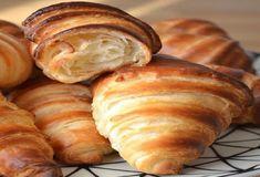 Le pain gâteau de ma grand mère - Cuisine Momix Croissants, Bread Cake, Beignets, Couscous, Coco, Biscuits, Brunch, Dairy, Cheese