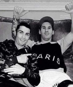Grandes amigos Ronaldo y Leo .