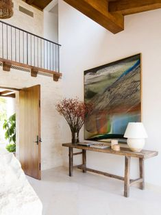 Stunning Emerald Bay Home Interior With Cream Wall Paint Design Combined With Wooden Log Decoration For Ceiling Style For Inspiration To Your House Cream Wall Paint, Cream Walls, Laguna Beach, Hermosa Beach, Modern Design Pictures, Paint Designs, Contemporary Architecture, House Design, Interior Design