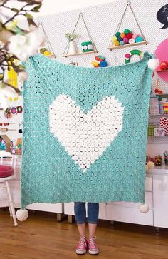 Oh I feel like wrapping myself up in this blanket and watching Netflix all day! But I've got work to do ♀️ Pattern: Heart Blanket from Yarn: Panda Soft Chunky Crochet Rug Patterns, C2c Crochet, Love Crochet, Amigurumi Patterns, Crochet Designs, Crochet Hooks, Modern Crochet, Blue Square, Colorful Flowers