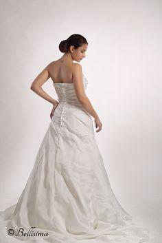 La elegancia en el día de tu bodas con el maquillaje de Bellísima