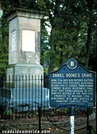 Two towns claim to be the final resting place of Daniel Boone -- Frankfort, Kentucky and Marthasville, Missouri. Cemetery Monuments, Cemetery Statues, Cemetery Headstones, Old Cemeteries, Graveyards, Frankfort Kentucky, Unusual Headstones, Famous Tombstones, Grave Markers