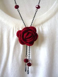 Items similar to Red Rose Crochet Necklace on Etsy Love Crochet, Diy Crochet, Crochet Crafts, Crochet Flowers, Crochet Projects, Crochet Cord, Tutorial Crochet, Diy Crafts, Crochet Jewelry Patterns