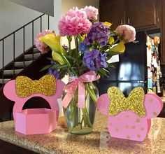 Center pieces for birthday party. Minnie Mouse, pink and gold