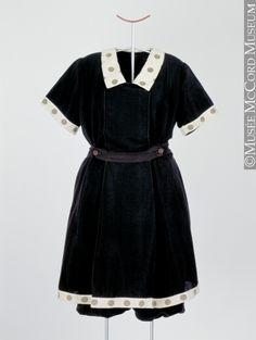 * Maillot de bain une pièce, modèle « Waterwitch » Athletic Suit Co. Vers 1912