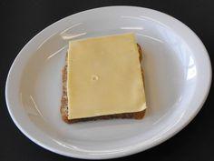 Boterham met boter en jonge kaas (48+)