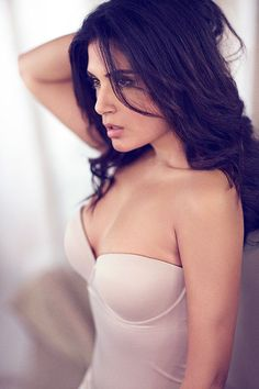 Richa Chadda is a queen of Bollywood. She rule over the heart of lover. Look her beauty more closely at . Go to detail:  www.Bollywoodoops.com