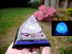 Orgone Energy Orgonite Pyramid - Crown Chakra - Amethyst, Sugilite, Scolecite, Stitchtite, Selenite, Lepidolite, Glow in the Dark by 432oneness on Etsy