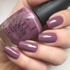 Swatch OPI I'm Feeling Sashy - gel polish colors - Fall nails Mauve Nails, Opi Nails, Purple Nails, Opi Shellac, Manicures, Pretty Nail Colors, Pretty Nails, Opi Nail Polish Colors, Opi Colors