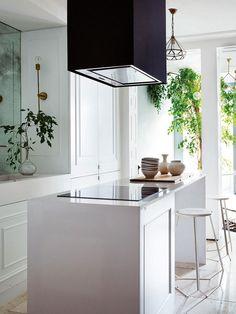 Sophisticated modern apartment in Madrid (80 sqm) #design #decor #home #idea #inspiration #room #style #cozy #kitchen #minimalist #minimal #contemporary #island #white #spain