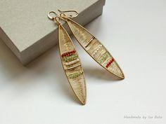 Golden Feathers - Cercei aurii cu pietre de peridot si perle de cultura (lucrare inscrisa in Concursul Decoreaza-ti Iarna, cu Breslo!)