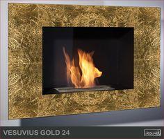 Kominek na bogato! ;) Obudowa z kamienia naturalnego pokrytego 24-karatowym złotem. Jedyny w swoim rodzaju, niezwykle efektowny biokominek. #mieszkanie #kominki #salon #biokominek #biokominki #kominek #wnetrza #aranzacje #dekoracje #zloto #zlote #biofireplace #gold