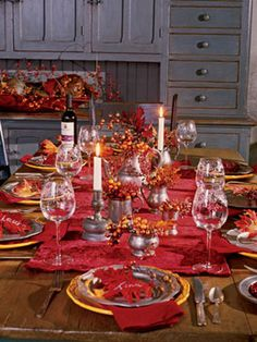 Thanksgiving table: Set for thanks -