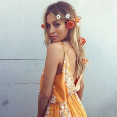 ➳➳➳☮American Hippie Bohemian Boho Bohéme Feathers Gypsy Spirit Style- Dress flowers in hair
