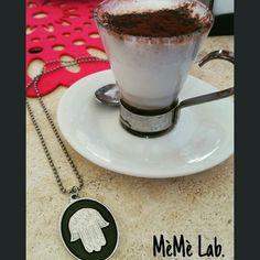 Caffè ☕ e  siamo operativi per questo lunedì   Con la nuova Collezione Collane www.memelabaccessori.com