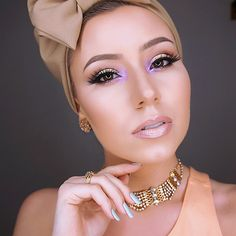 """""""This purple you guys It's @anastasiabeverlyhills single shadows in Electro Other shadows are listed in previous post Contour is of course…"""""""