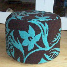 ronde poef tatoe by erica hogenbirk knitwear, via Flickr