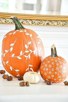 WHITE PAINTED PUMPKIN DIY - StoneGable Pretty hand painted pumpkins with designer motifs and patterns. You can make this easy painted pumpkin for your fall decor and you don't have to be crafty! Not one bit! Fall Pumpkins, Halloween Pumpkins, Fall Halloween, Halloween 2020, Wedding Pumpkins, Halloween Party, Halloween Garage, Christmas Pumpkins, Halloween Prints