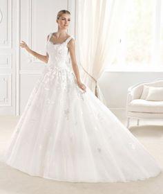 somosnovias:    Diseñadores de vestidos de novia 14 Outfist de...