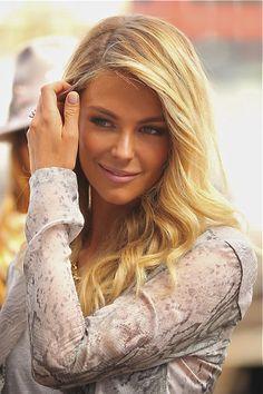 Jennifer Hawkins- Ambassador for Australian women.  True Australian beauty