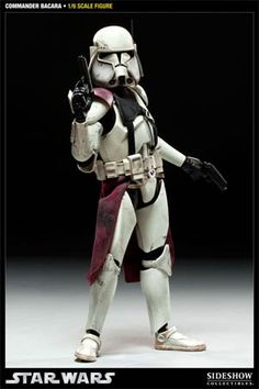 The Sideshow Collectibles Star Wars Commander Bacara 12-Inch figure is ALL action!