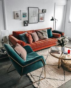 A mix of mid-century modern bohemian and industrial interior style. Home and - A mix of mid-century modern bohemian and industrial interior style. Home and A mix of mid-century modern bohemian and industrial interior style. Home and My Living Room, Home And Living, Living Spaces, Retro Living Rooms, Dining Rooms, Living Room Decor Teal, Dining Set, How To Decorate Living Room, Orange Home Decor