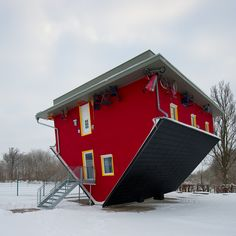 The Upside-Down House in the town of Putbus on the island of Rügen, Germany. Rügen is Germany's largest island by area. The house is used as an indoor playground for children and popular tourist attraction. Unusual Buildings, Interesting Buildings, Amazing Buildings, Upside Down House, Architecture Cool, German Architecture, Pavilion Architecture, Classical Architecture, Historical Architecture