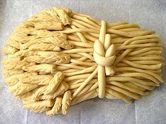 Making bread on holiday - Simple Craft Ideas Yummy Drinks, Yummy Food, Pie Crust Designs, Salt Dough Crafts, Pie Decoration, Bread Shaping, Bread Art, Haitian Food Recipes, Braided Bread