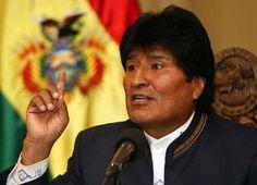 """#JUSTICIASOCIAL: EVO MORALES BAJA IMPUESTOS DE LUZ AGUA Y TELECOMUNICACIONES   En la Constitución boliviana los servicios básicos son considerados un derecho humano  La medida fue tomada por el Presidente boliviano en el marco de brindar una mayor justicia social a la población. Además instó en la cumbre de la CELAC a que otros países de la región lo imiten. """"Si nosotros no acompañamos a la paz con una justicia social en vano podemos pregonar que va haber paz en América Latina si no va haber…"""