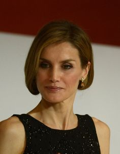 Pin for Later: Spaniens Königin Letizia weiß zu gefallen