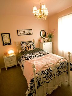 The decorating experts at HGTV.com show you how to decorate a girl's room in an enchanting Parisian theme.