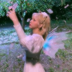Angel Aesthetic, Nature Aesthetic, Aesthetic Girl, Forest Fairy, Fairy Land, Fairy Tales, Types Of Aesthetics, Different Aesthetics, Fairy Clothes