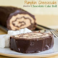 Pumpkin Cheesecake Flourless Chocolate Cake Roll | cupcakesandkalechips.com