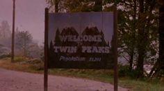 """""""Twin Peaks"""" revient  Showtime a annoncé lundi 6 octobre le retour de Twin Peaks. La série culte reviendra en 2016, toujours avec David Lynch et Mark Frost aux manettes. Pour l'occasion, la chaîne câblée américaine a mis en ligne un teaser très """"lynchéen"""", qui a déjà été vu plus de 200 000 fois sur YouTube.  http://www.artofteasing.fr/article/20141007-showtime-retour-twin-peaks/  #Showtime #TwinPeaks #Lynch"""