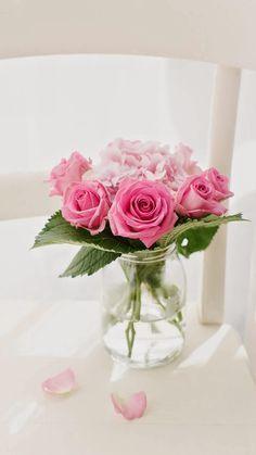 Pink Roses Bouquet Vase iPhone 6 wallpaper