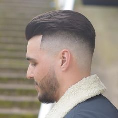 Men& Hairstyle Fade Updo - 20 best fade haircuts for men ? Best Fade Haircuts, Popular Mens Hairstyles, Cool Mens Haircuts, Cool Hairstyles For Men, Trending Haircuts, Haircut Men, Modern Haircuts, Winter Hairstyles, Classic Mens Hairstyles