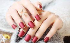 4 loại sơn móng tay đẹp, độc, lạ cho bạn gái: http://hocviennail.com/top-4-loai-son-mong-tay-dep-doc-la-cho-ban-gai.html