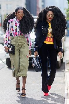 The Best Street Style From New York Fashion Week Spring 2018 New York Fashion Week Street Style Früh New Street Style, New York Fashion Week Street Style, Street Style Trends, Spring Street Style, Cool Street Fashion, New Fashion Trends, Star Fashion, Look Fashion, Fashion Outfits