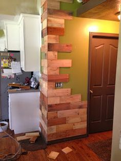Reclaim-ologists and Other Crafty Chicks : Pallets. Pallet Crafts, Pallet Projects, House Goals, Room Themes, Living Spaces, Living Room, Home Remodeling, Coffee Shop, My House