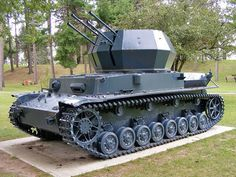 The Flakpanzer IV Wirbelwind (whirlwind) was a German anti-aircraft vehicle based on the chassis of the Panzer IV tank, being designed in 1944 as a successor to the Möbelwagen. in the early years of the war, the Wehrmacht had less interest in developing auto-propulsadas anti-aircraft guns, but as the Allies began to gain air superiority, the need for more mobile self-propelled anti-aircraft guns and undermanned increased.