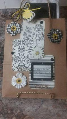 Friendship Flowers Bing Gift Bag  Black by ItaliaRoseCardsEtc