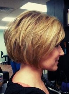 All these hairstyles are styled with perfection and amazing finish. You can wear these for any occasion going classic, romantic or vintage to get an amazing look. Click to find out the rest!  #hairstraightenerbeauty  #Shorthairstylesforfinehair  #Shorthairstylesforfinehairover50  #Shorthairstylesforfinehairwomen  #Shorthairstylesforfinehairpixies
