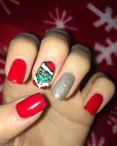 The Grinch Christmas Nails