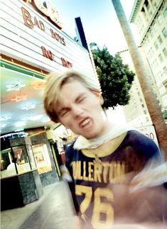 Leonardo DiCaprio photographed by David LaChapelle. David Lachapelle, Beautiful Boys, Pretty Boys, Titanic, Leonardo Dicapro, Leo And Kate, Young Leonardo Dicaprio, Back In The 90s, Studio Portraits