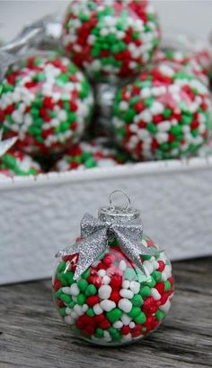 DIY Candy Filled Ornaments // This Would Be Cute On Presents too! #christmas #giftidea